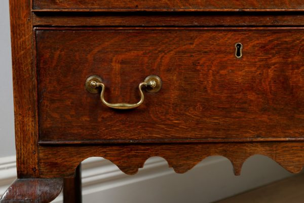 Antique George III Shropshire Oak Dresser Base (Circa 1780 - 1800)