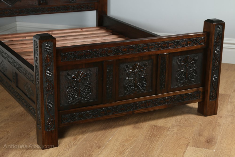 Yola gray antiques tudor style carved double oak for Furniture kelsall