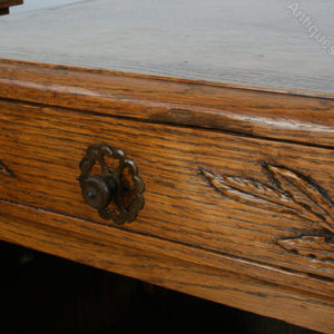 Pair_of_French_Carved_Oak_Beds_as236a581b-3