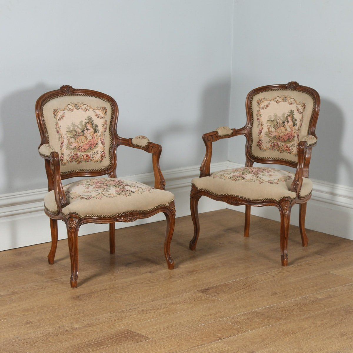 Antique pair of french louis xv style walnut tapestry for Salon louis 15