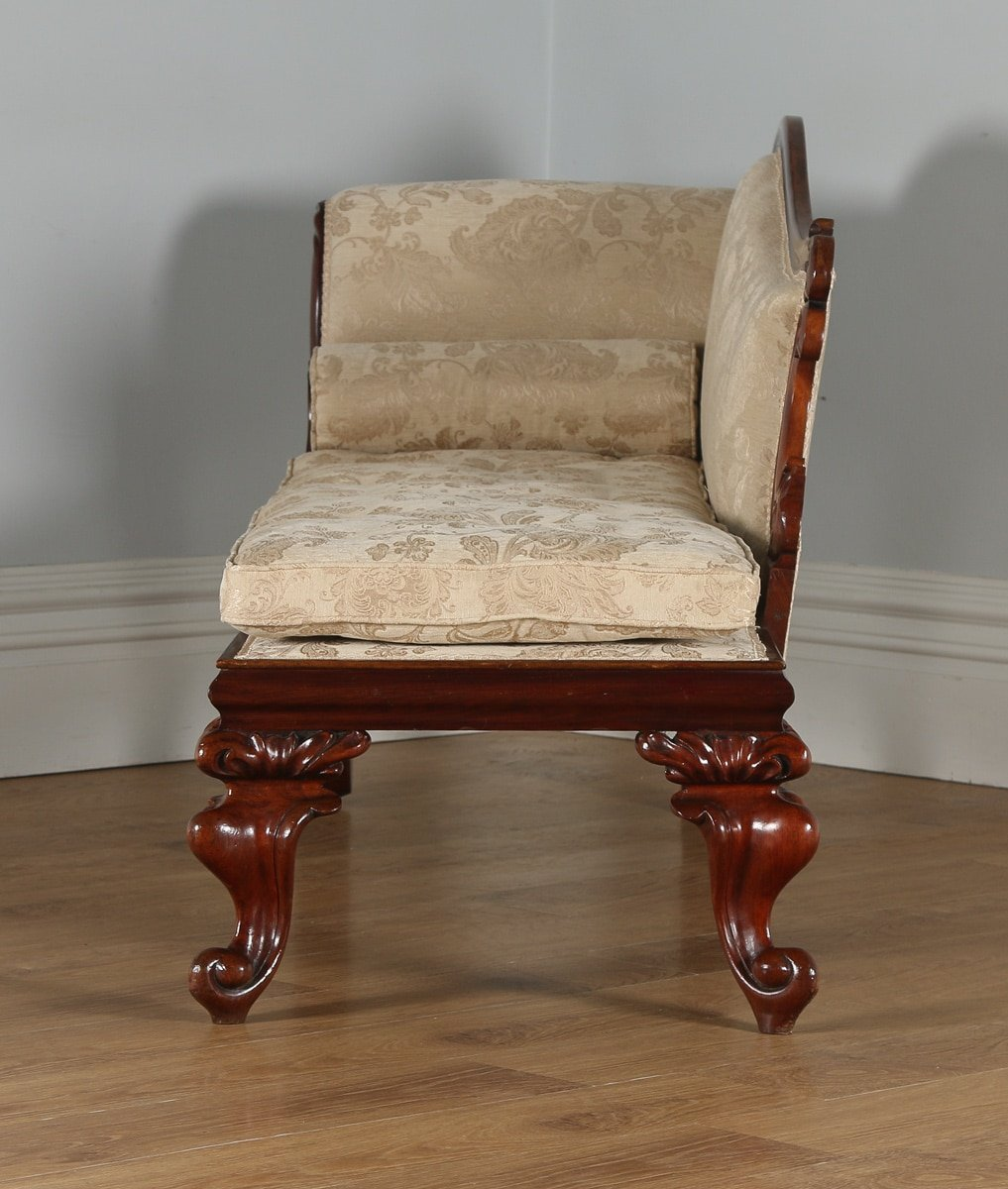 Antique english william iv mahogany chaise longue circa for Chaise longue in english
