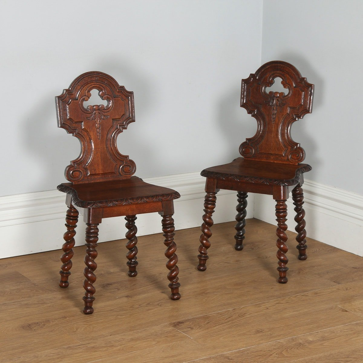 Antique English Victorian Pair of Gothic Style Carved Oak Hall / Side Chairs  (Circa 1860 - Antique English Victorian Pair Of Gothic Style Carved Oak Hall