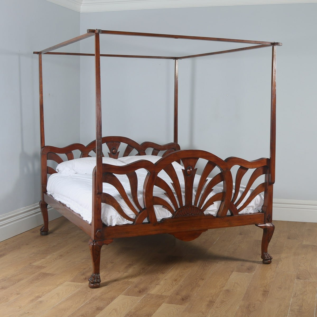 Poster King Size Bed For Sale
