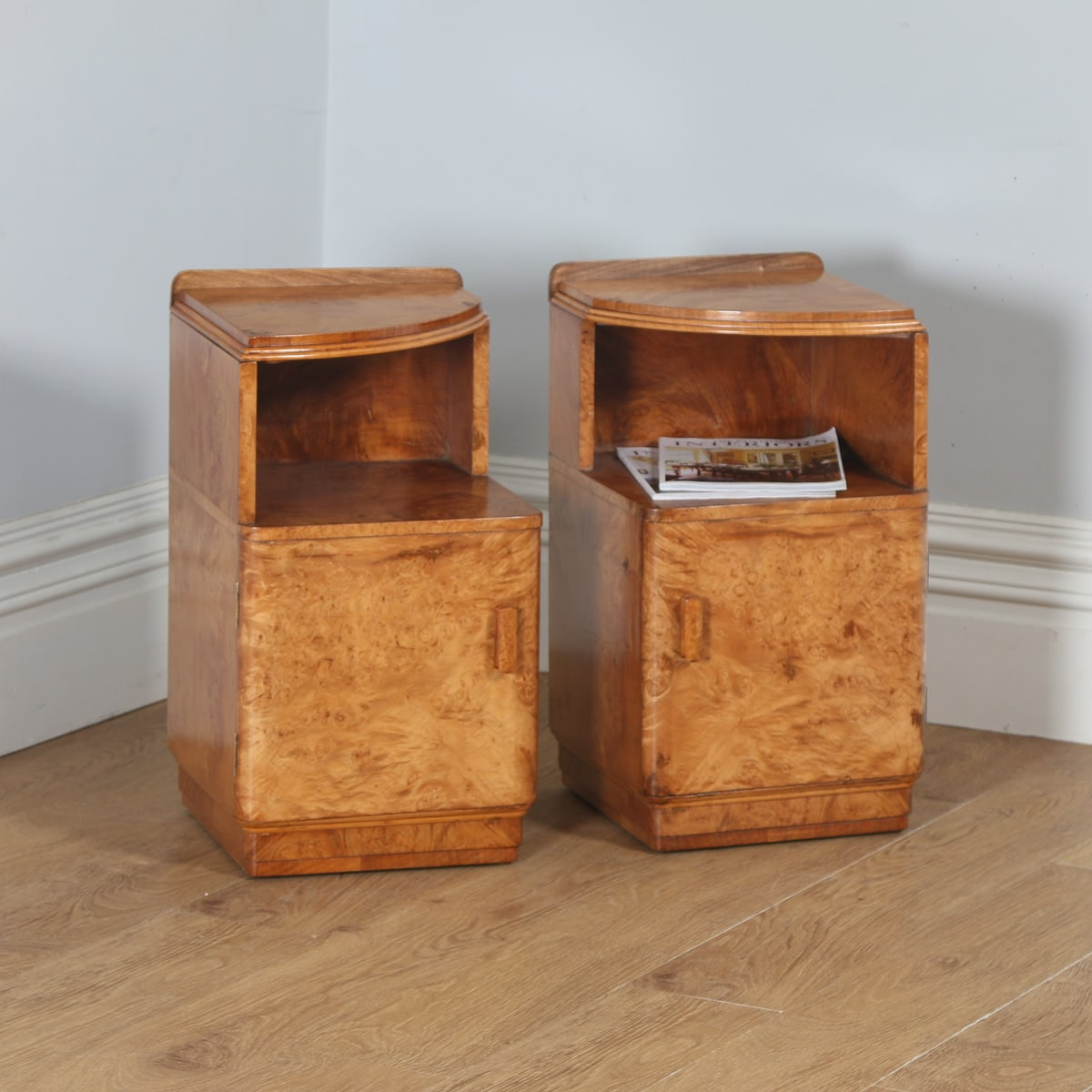Antique Pair Of English Art Deco Birds Eye Maple Bedside Cabinet Tables Nightstands Circa