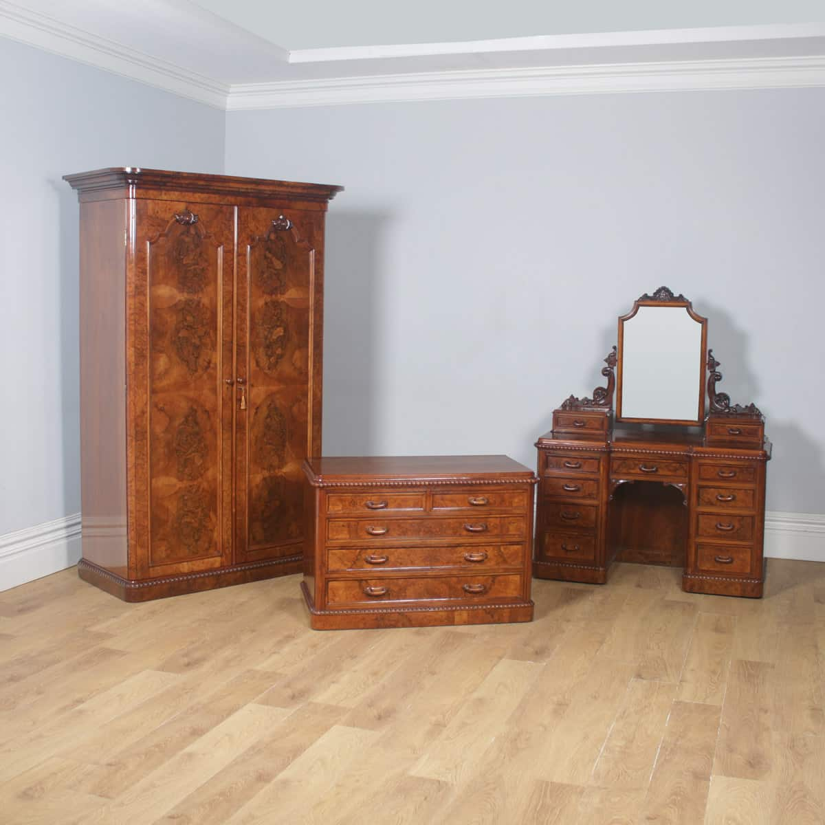 Antique Furniture Generous Outstanding Quality Burr Walnut Art Deco Double Bed Antiques