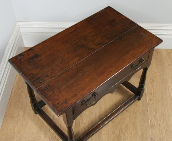 Antique English 18th Century Georgian Oak Occasional Side Hall Writing Table (Circa 1730) - yolagray.com