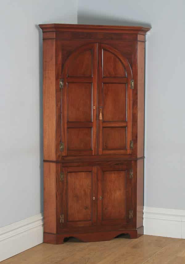 Antique English Georgian Mahogany Floor Standing Double Corner Cupboard (Circa 1800) - yolagray.com