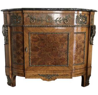 Yola Gray Antiques, Encoignure Antique Style