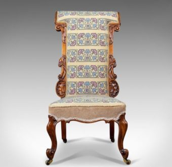 Yola Gray Antiques, Prie-dieu Antique Style