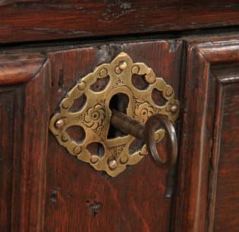 Yola Gray Antiques, Escutcheon Antique Style