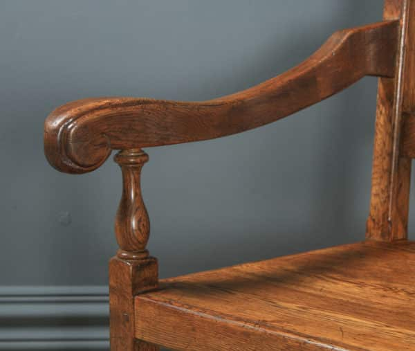 English Set of 8 17th Century Style Wainscot Kitchen Dining Chairs, by Taylor & Co (Circa 1980) - yolagray.com